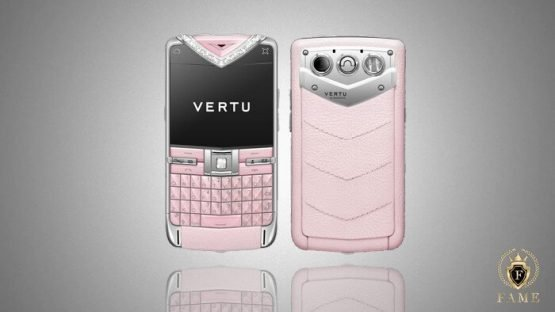 Vertu Quest Pink Diamond Trim